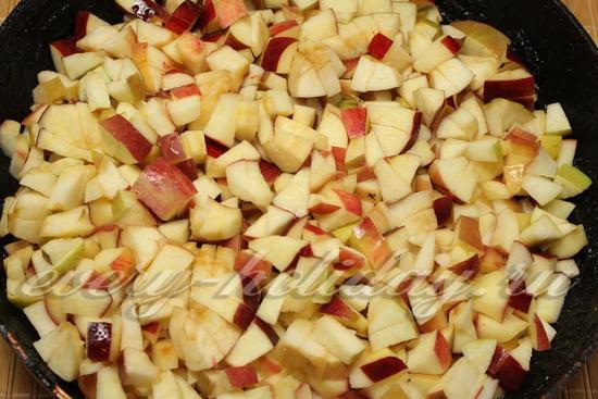 яблоки тушить