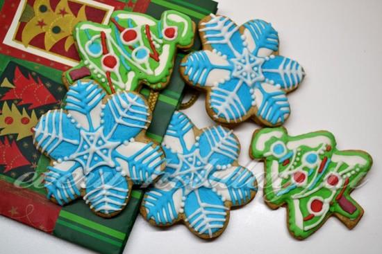 Сушим готовые печенья на воздухе при комнатной температуре.