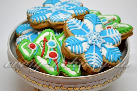 Новогоднее фигурное печенье