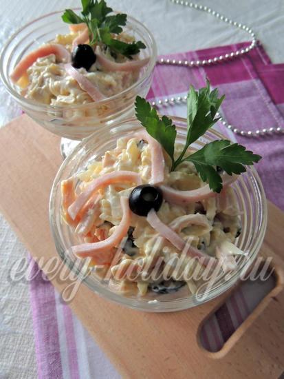 рецепт салата с сыром и ветчиной