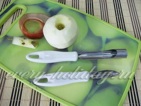 яблоко очистите