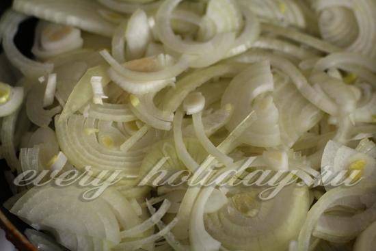 Выложить лук