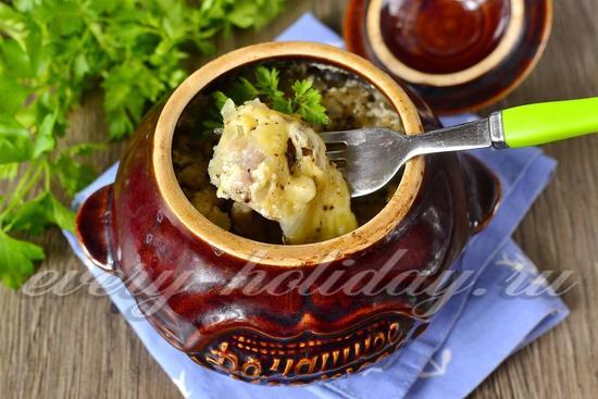 рецепт курицы в горшочках с картошкой и грибами в духовке рецепт с фото