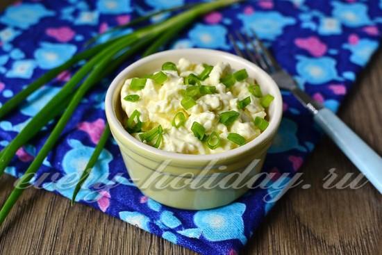 Салат «Белочка» из плавленых сырков
