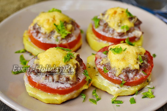 Картошка с фаршем в духовке с помидорами и сыром рецепт с фото