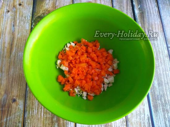 добавить порезанную морковку