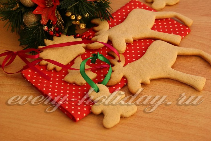 Новогоднее песочное печенье с имбирем