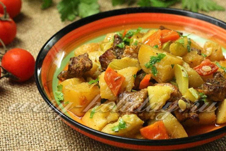 Рагу из кабачков с картофелем и мясом