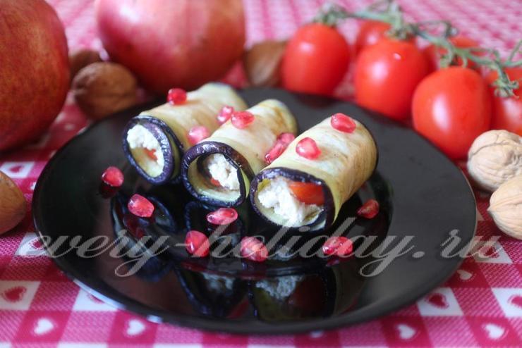 Рулетики из баклажанов с моцареллой и грецкими орехами