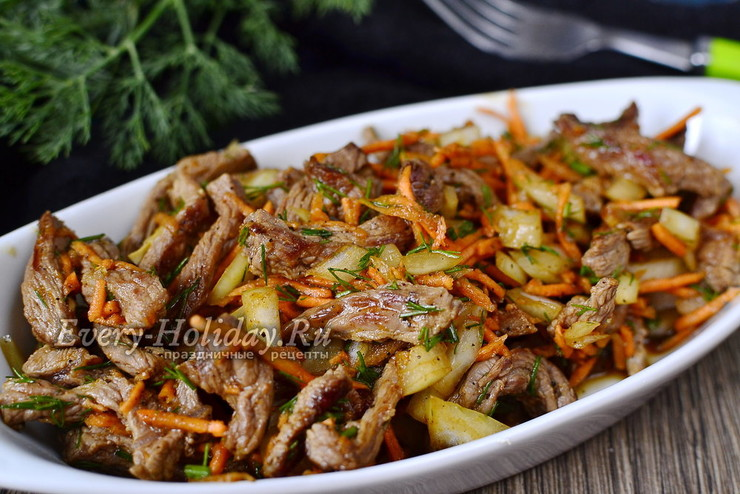 """Сытный """"Хе"""" из мяса с морковью"""