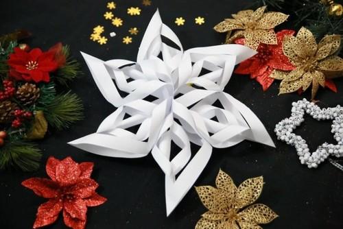 5a3761d09136a Объемная снежинка из бумаги своими руками