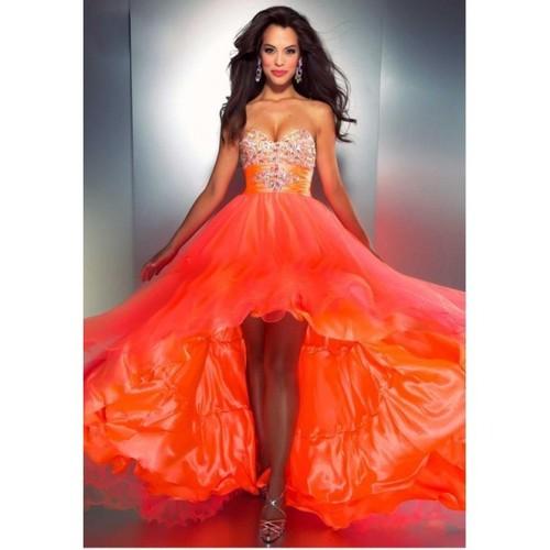 ярко-апельсиновое платье