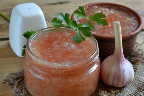 Аджика из помидоров на зиму: рецепты – пальчики оближешь (пошагово с фото, видео)